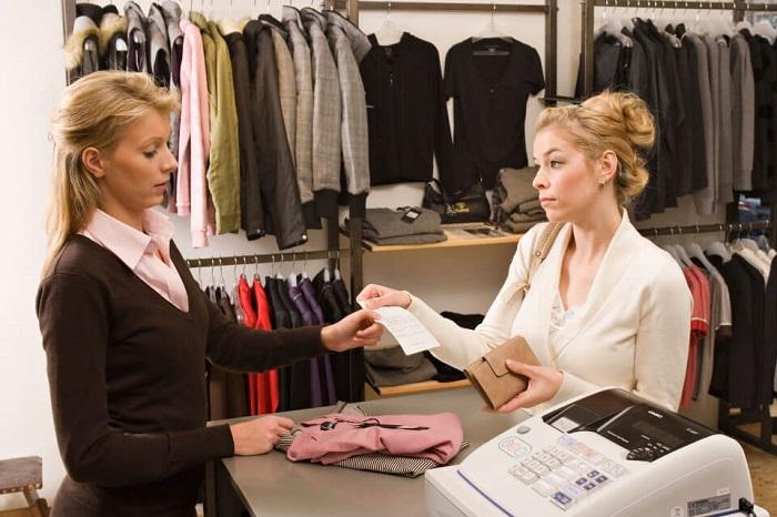 Предоставив чек на кассе, можно обменять товар или вернуть деньги. / Фото: profflawyer.ru