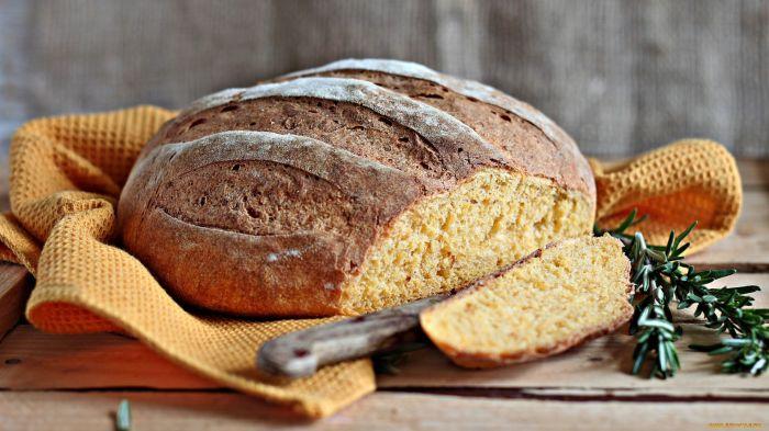 Цельнозерновой хлеб положительно влияет на ЖКТ. / Фото: proprikol.ru