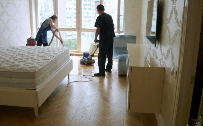 Уборку после ремонта сложно сделать качественно своими руками. / Фото: realty.rbc.ru