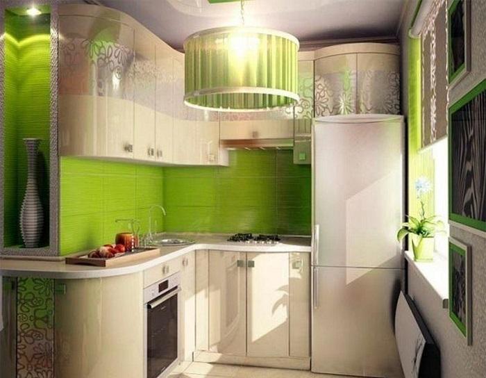 Одной лампы для кухни недостаточно. / Фото: remontkvartiri.su