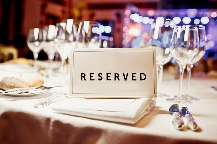 Большинстве ресторанов открывают бронь за два месяца до Нового Года. / Фото: reston.ua