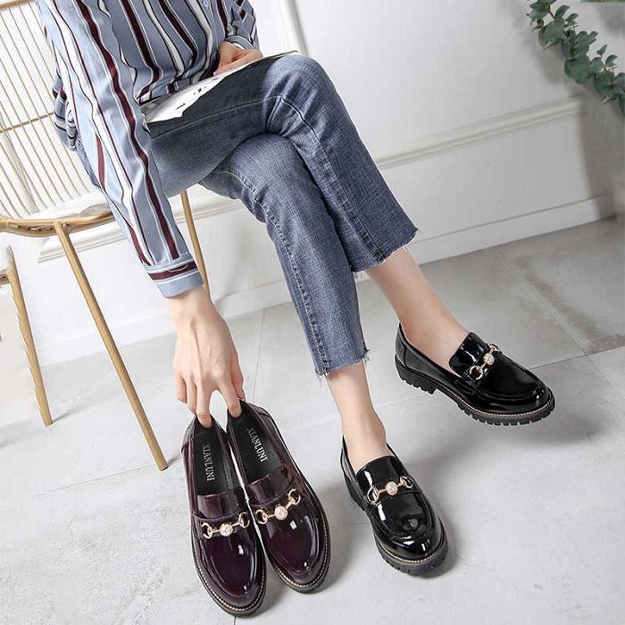 Лоферы - отличный пример универсальной обуви. / Фото: pinterest.com