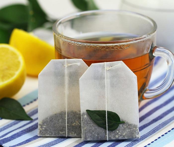 Освежить белье можно при помощи чайного пакетика. / Фото: saraphan.top