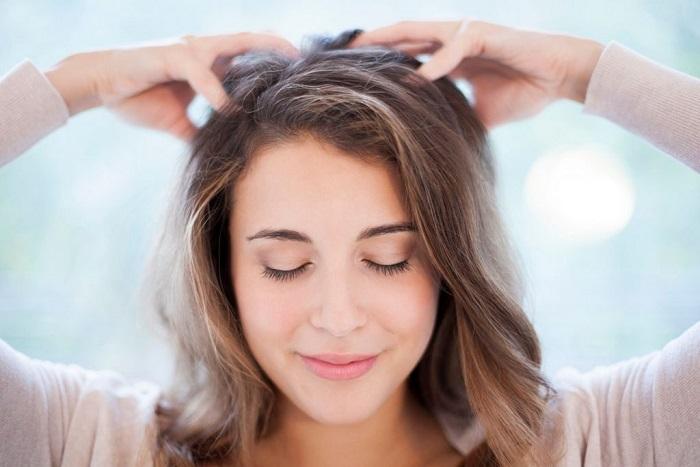 Массаж головы возвращает волосам объем. / Фото: sevsity.ru