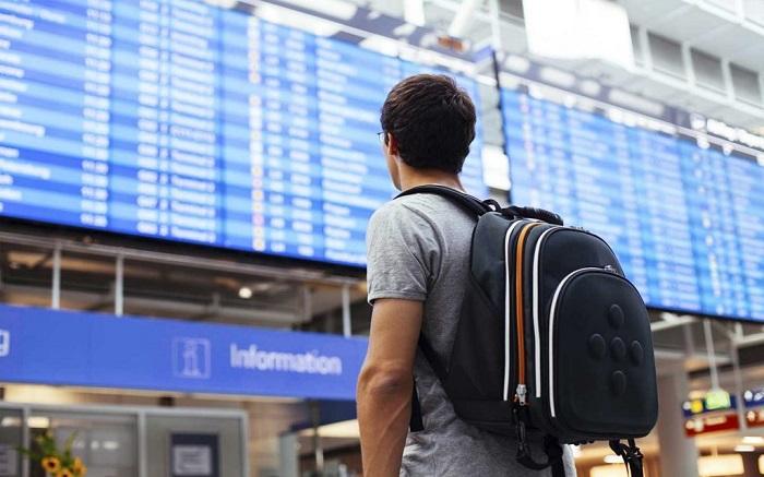 Иностранцы привыкли путешествовать с небольшим рюкзаком или дорожной сумкой. / Фото: skyscanner.ca