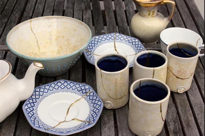Посуда со сколами выглядит неэстетично и может навредить здоровью. / Фото: sm-news.ru