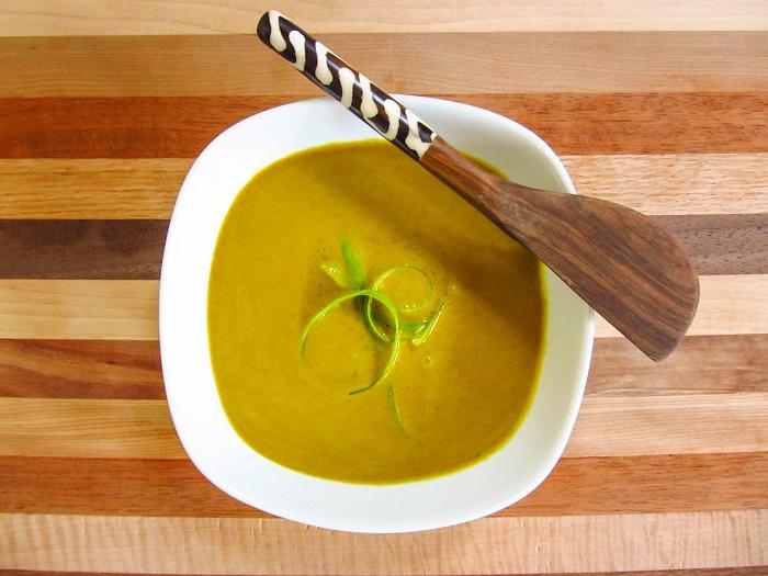 Соус должен получиться горчичного цвета. / Фото: vitablog.ru