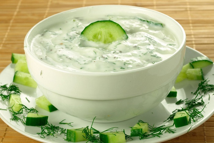 Огуречный соус легкий и освежающий. / Фото: fotostrana.ru