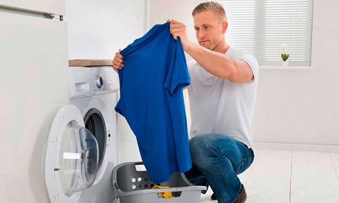 Футболки не следует стирать слишком часто. / Фото: nusho.com.ua
