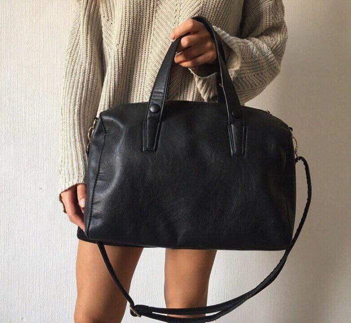 Вместо сумки из натуральной кожи, выбирайте изделие из эко-кожи. / Фото: youla.ru