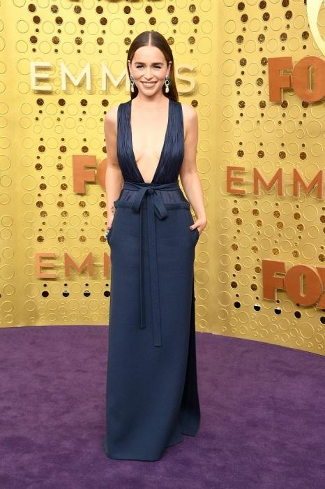 Эмилия Кларк в платье от Valentino. / Фото: super.ru