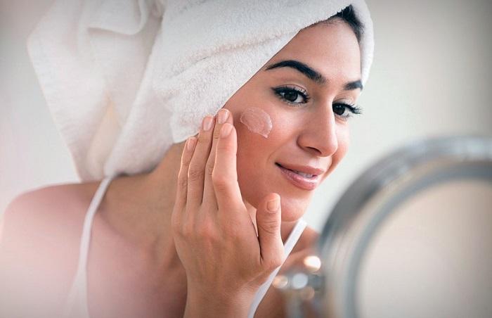 Если крем устраивает вашу кожу, пользуйтесь им постоянно. / Фото: theladies.ru