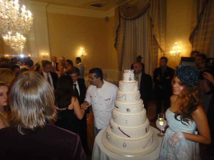 Алмазный торт Деворы Роуз – 30 000 000 $. / Фото: fb.ru