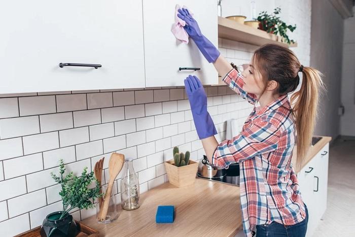 Влажная уборка не поможет справиться с загрязнениями. / Фото: fb.ru