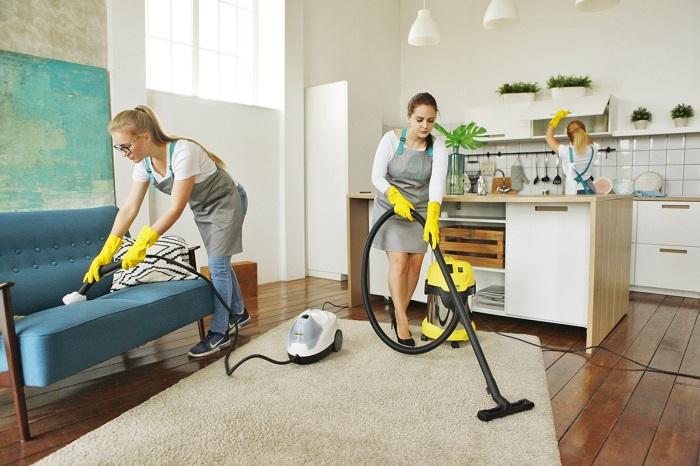 Клинеры быстро приведут квартиру в порядок. / Фото: bazyemail.com