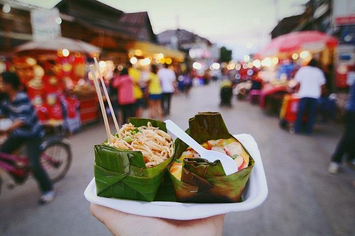 9 советов, как есть уличную еду в путешествии и не отравиться