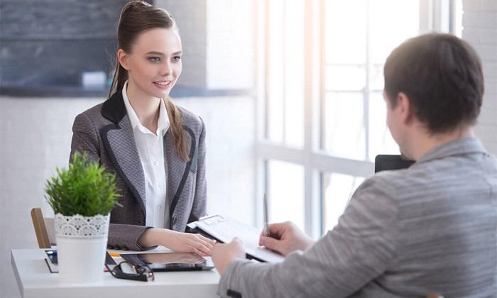 На собеседование принято надевать деловой костюм. / Фото: ustaliy.ru