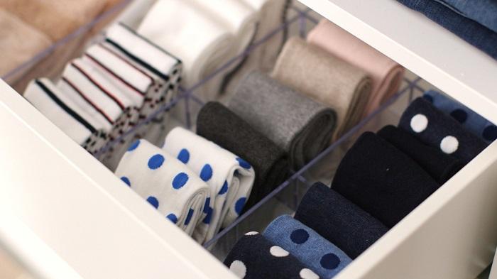 Храните носки в отбельном ящике. / Фото: vannadecor.ru