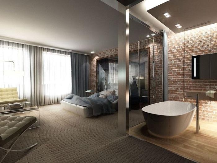 Ванна посреди жилой комнаты - не самая лучшая идея. / Фото: yastroyu.ru