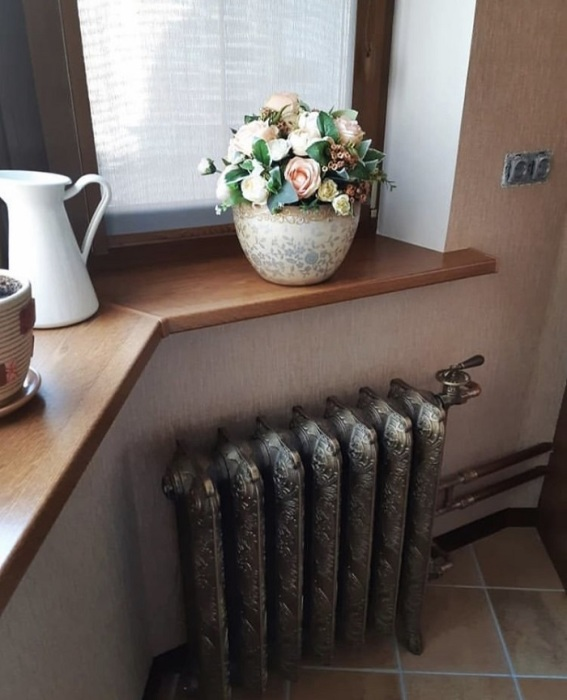 Старые чугунные радиаторы лучше не оставлять открытыми. / Фото: varmann.ru