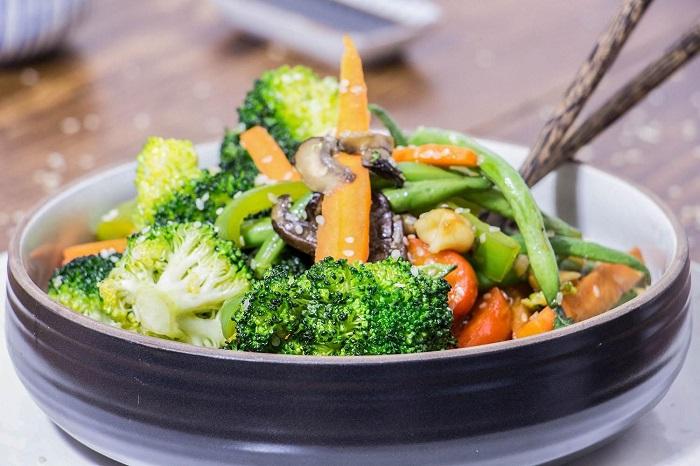 Проверяйте вегетарианское блюдо на наличие посторонних ингредиентов. / Фото: kartinkinaden.ru
