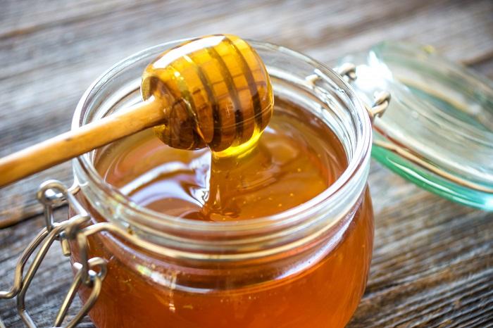 Мед делает кожу гладкой и нежной. / Фото: ymadam.net
