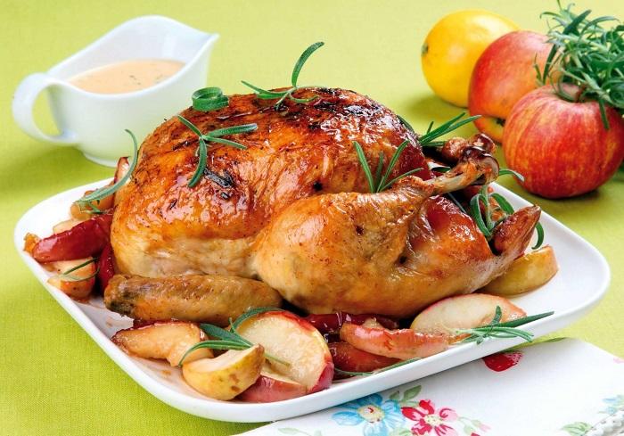 Курицу нельзя разогревать, вне зависимости от того, каким способом она была приготовлена. / Фото: chastnosti.com