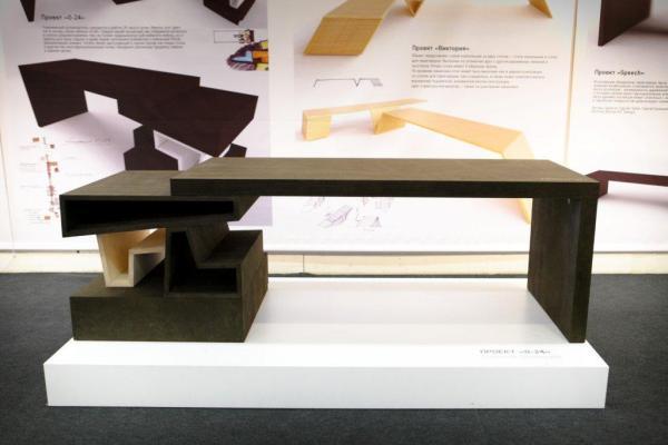 Прототип стола по проекту Евгения Полянцева
