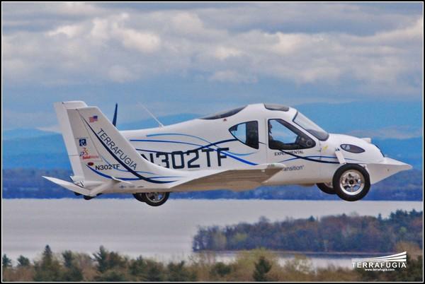 Машина с крыльями Terrafugia Transition