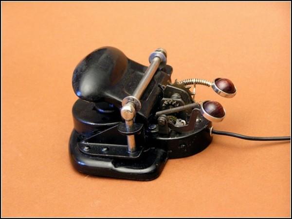 Тоталитарная мышь для компьютера