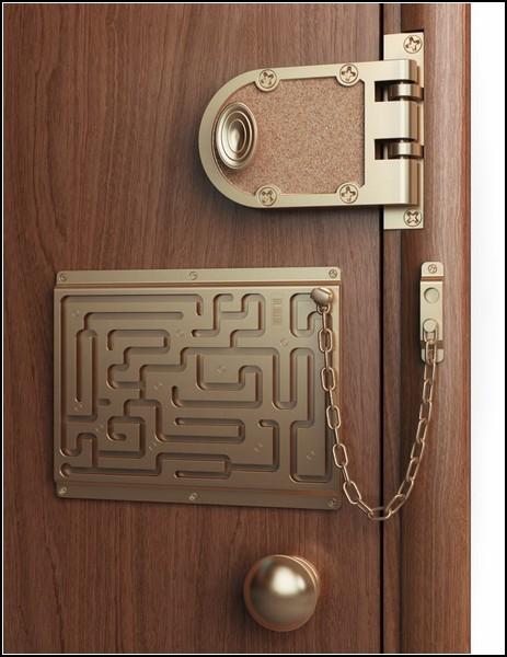 Засовы и замки: дверная цепочка от Артемия Лебедева