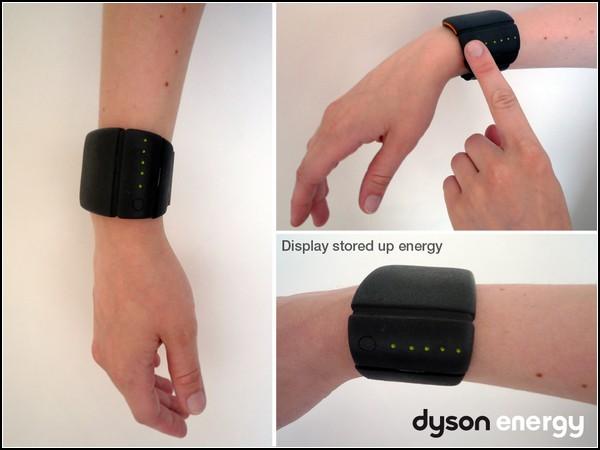 Зарядное устройство Dyson Energy на руке