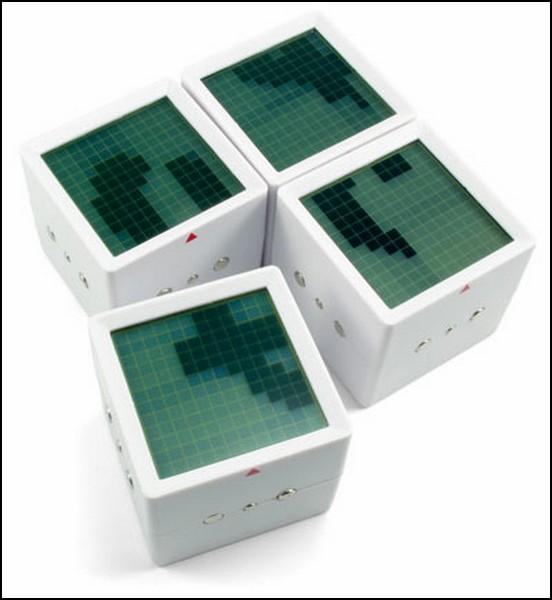 Интерактивный пазл из четырех кубиков