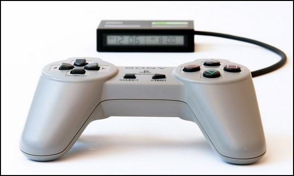 Консольный режим для вашего будильника. Джойстик для Sony PlayStation