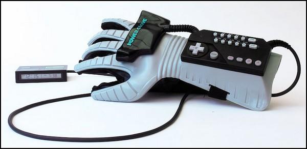 Консольный режим для вашего будильника. *Силовая перчатка* от Mattel