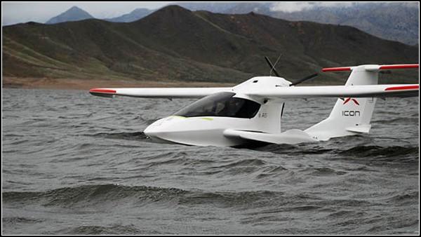 Частный самолет-амфибия ICON A5