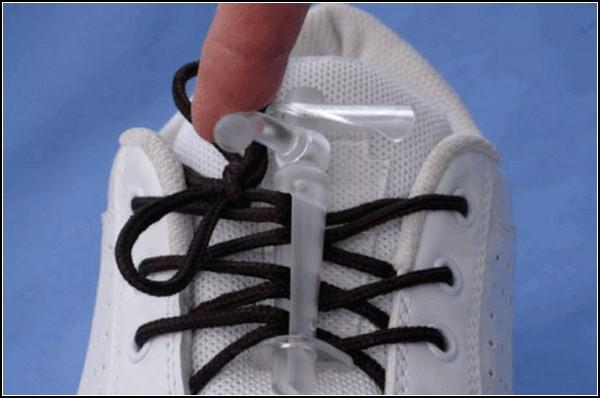 Завязывание шнурков - это очень просто