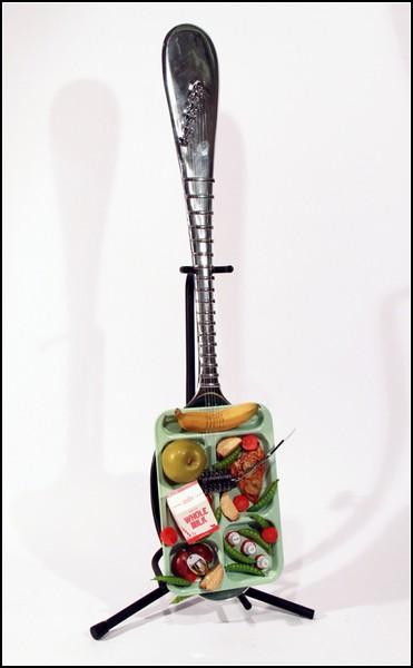 Веселые гитары: ланч металлиста