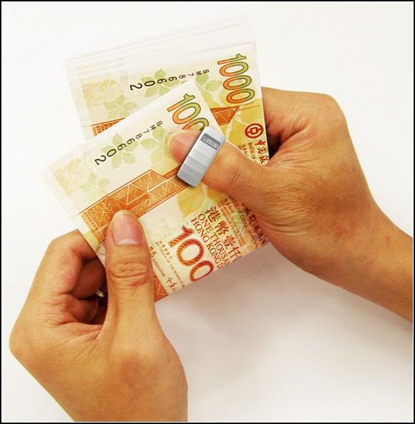 Гаджет, распознающий поддельные деньги