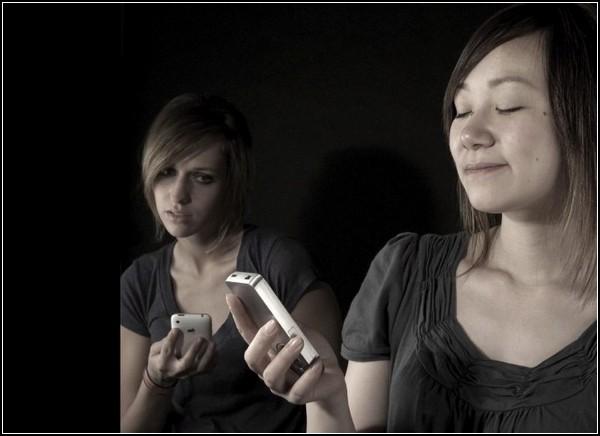Унылые обычные телефоны по сравнению с оригинальным RevOlve
