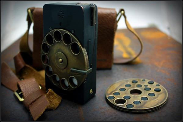 Стильный смартфон с двумя сменными дисками