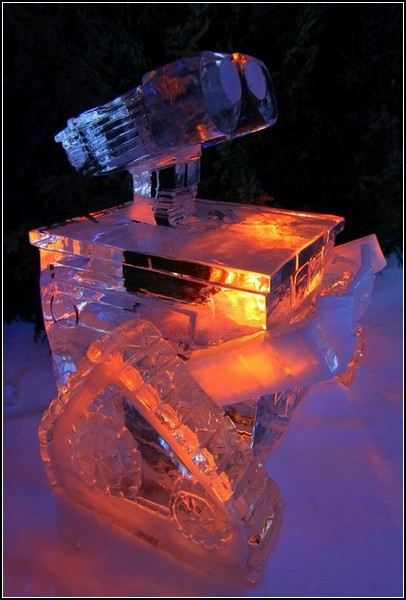 http://www.novate.ru/files/u18226/wall-e-ice-sculpture-1.jpg