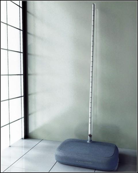 Минималистские точные весы на водяной подушке