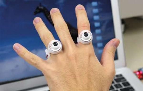 Необычное кольцо-робот