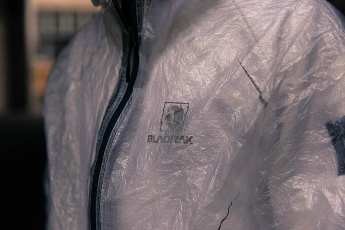 Emergency Jacket �� BlackYak � ����� ����� ������������� ������ �� ������������� ���������