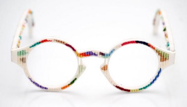 Яркие очки-«фенечки» от британских дизайнеров
