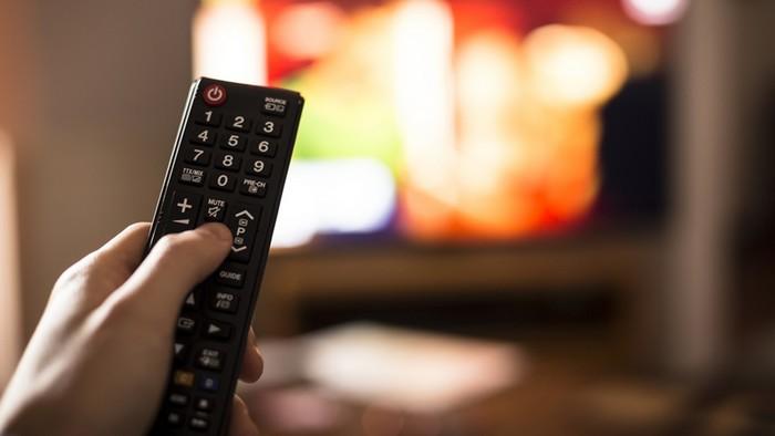 А вы знаете, сколько микробов на пульте от телевизора?