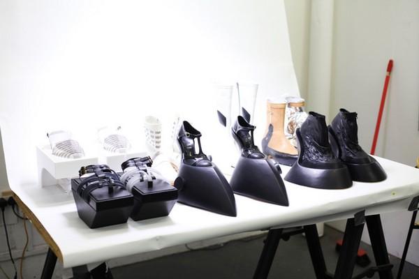 Философская обувь со странными опциями от Бенджамина Джона Холла (Benjamin John Hall)