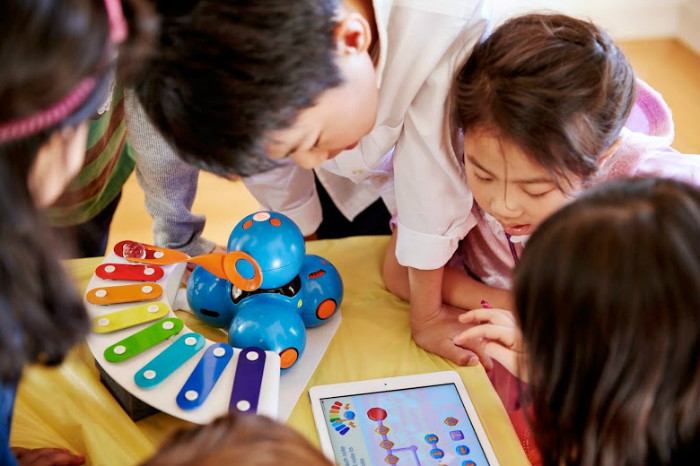 Роботы-игрушки, которые обучат детей основам программирования