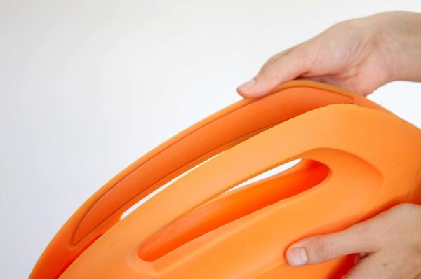 Сумочки-клатчи с «автомобильным» дизайном